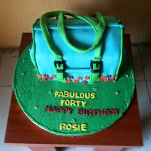 sculpture handbag cake